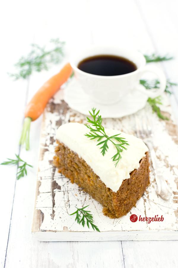 Gulerodskage Rezept aus Dänemark von herzelieb - Karottenkuchen