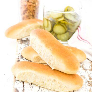 Selbstgemachte Hot Dog Brötchen selbermachen ist ganz einfach!