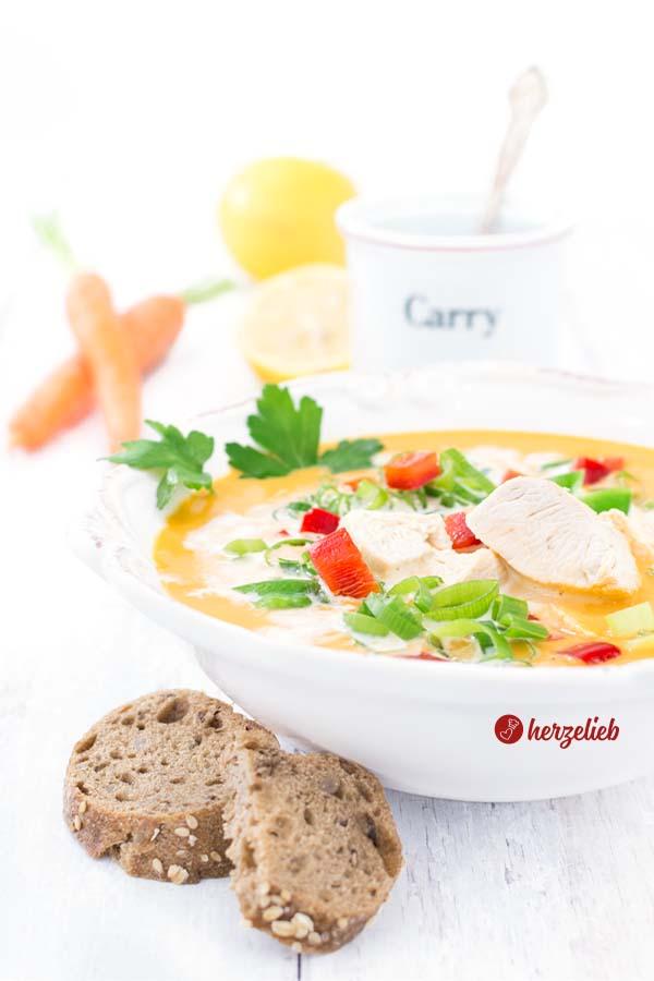 Karrysuppe Rezept - Gemüsesuppe mal anders vom Foodblog herzelieb