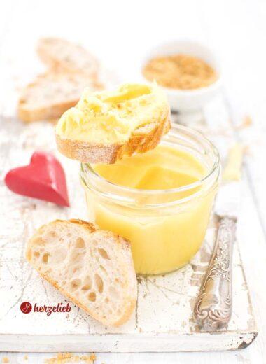 Goldgelbe Eierlikörcreme mit weißer Schokolade Brotaufstrich