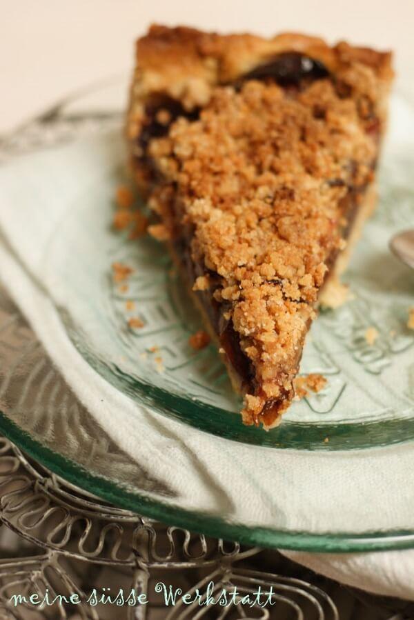 Amarettini-Zwetschgen-Kuchen, das Rezept ist gold werd