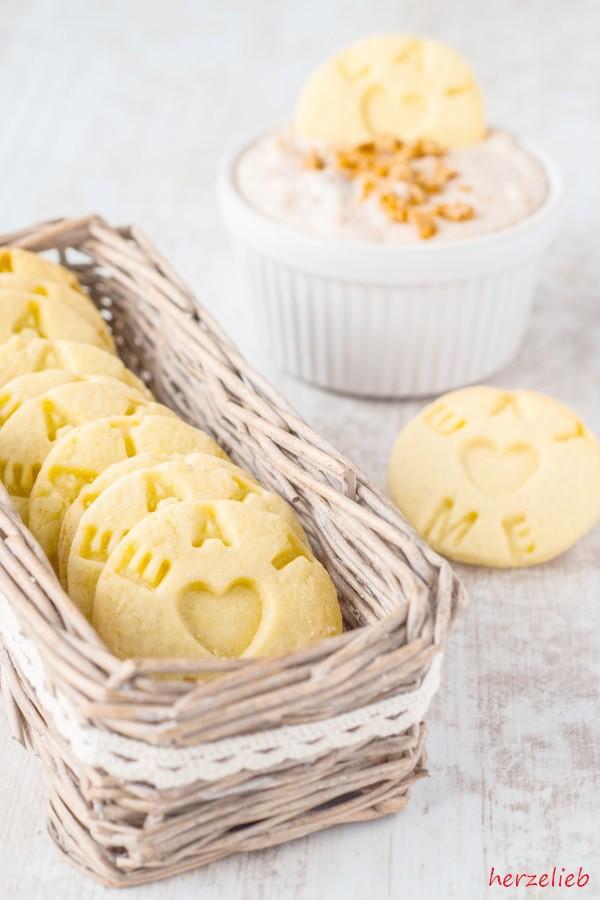 Apfelstrudel Dip mit Keksen. Beide Rezepte in einem Beitrag