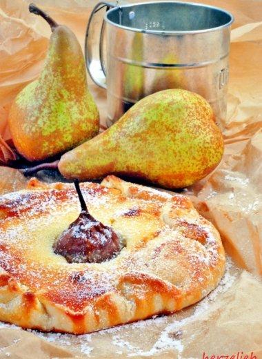 Birnen-Käsekuchen - mit fertigem Mürbeteig ruckzuck auf dem Tisch.