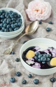 Rezept für schwedische Blaubeersuppe mit einem Hauch Sahne