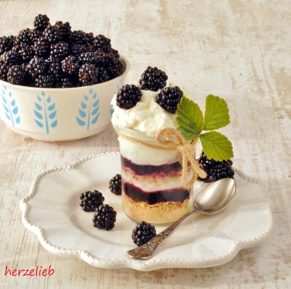 Brombeer Trifle Mit Wilden Brombeeren Dessert Rezept Herzelieb