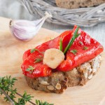 Selbstgemacht: Gegrillte Paprika - Antipasti auf dem Brot