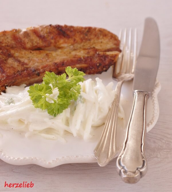 Grillen - zum Fleisch gehört Salat!