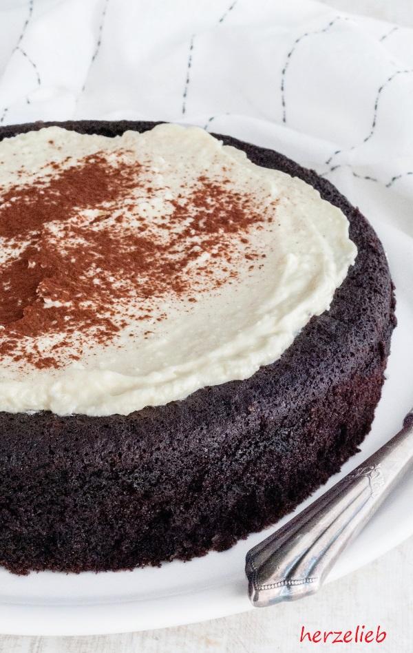 Guinness-Kuchen - schwarz, saftig, unfassbar gut! - herzelieb