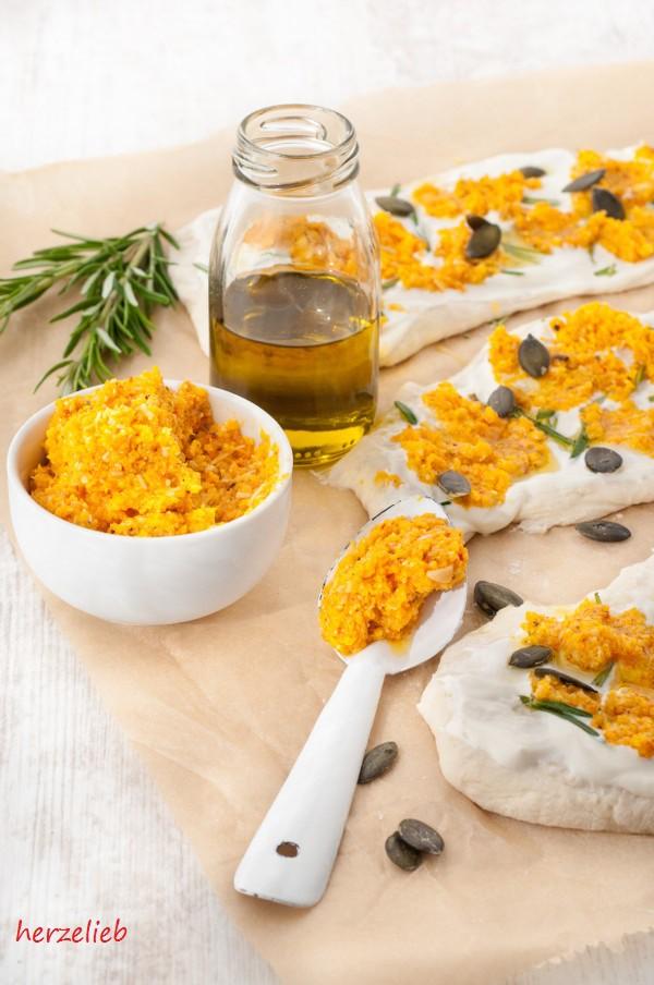Kürbis-Pesto Rezept - fantastisch zu Pizza, Brot, Nudeln und Grillfleisch