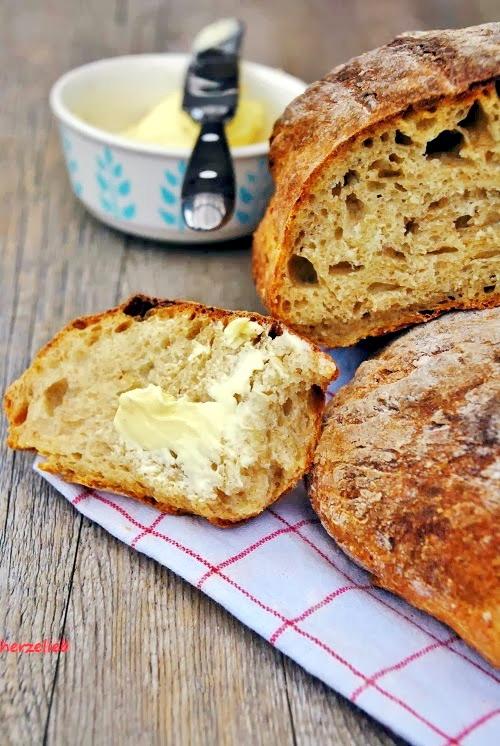 Ein Rezept für ein herzhaftes Kartoffelbrot mit Dinkel von https://herzelieb.de