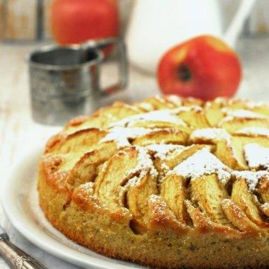 In diesem Rezept wird der Kartoffelkuchen mit rohen Kartoffeln gebacken. herzelieb