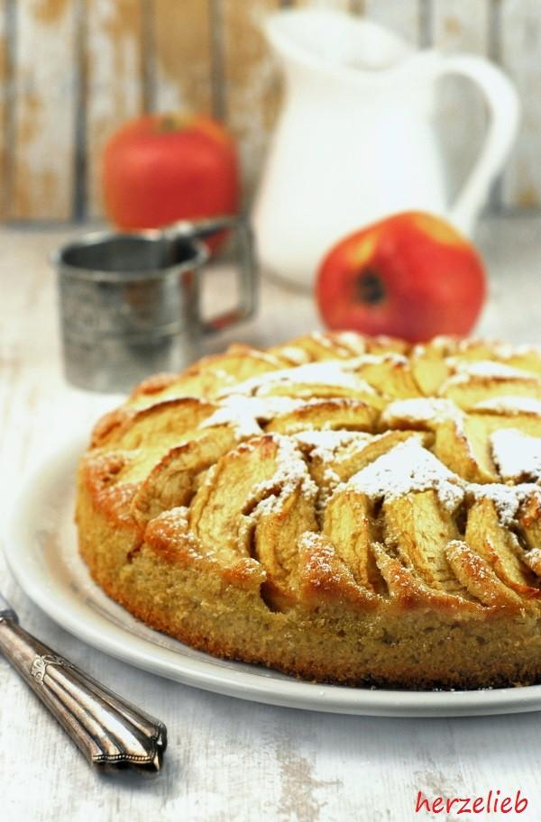 Apfelkuchen Rezept Ganz Besonderer Kuchen Mit Kartoffeln Im Teig
