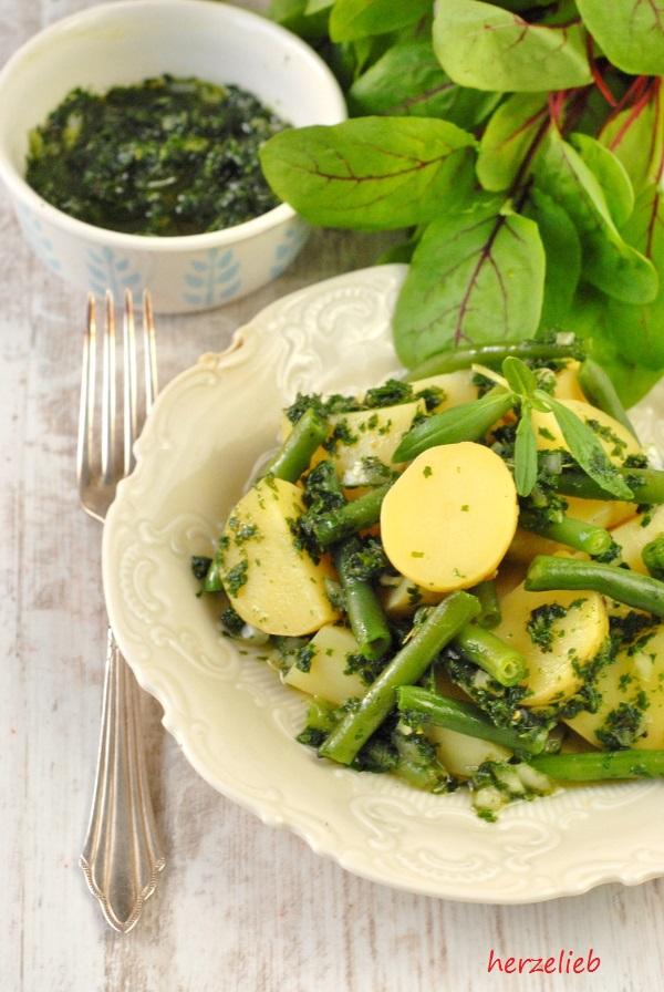 Grüner Kartoffelsalat ohne Mayonnaise. Ein Rezept für den Sommer