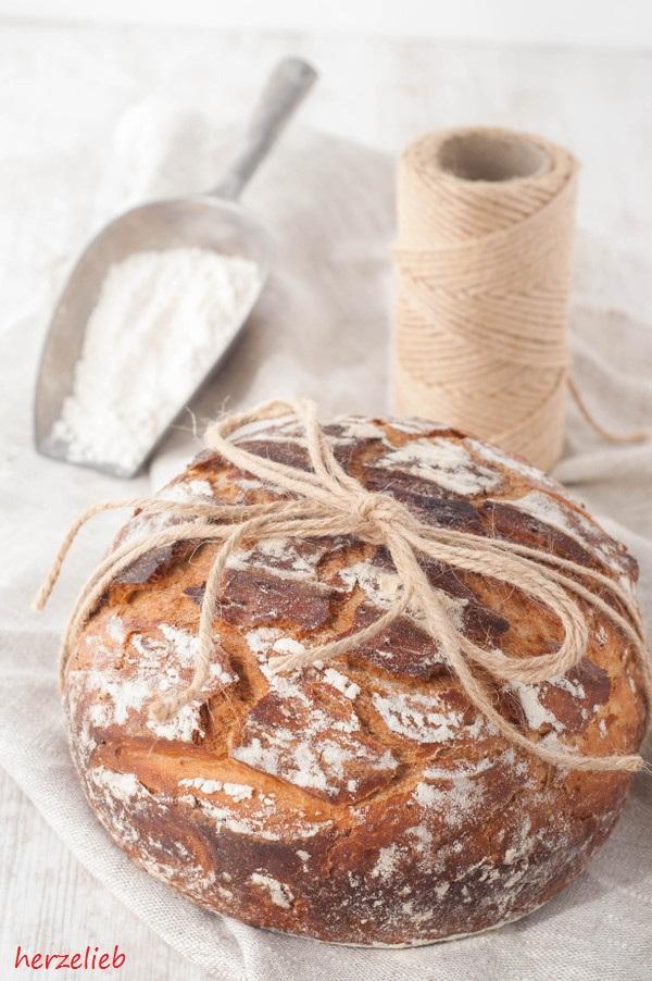 ᵂᴱᴿᴮᵁᴺᴳ Norddeutsches Landbrot Rezept – Brot mit toller Kruste und saftiger Krume