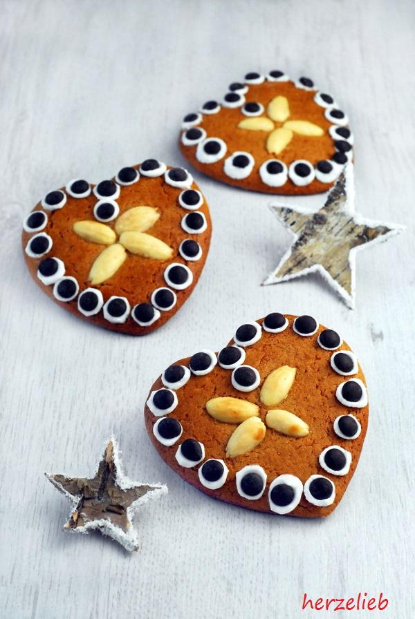 lebkuchen herzen rezept ob als kekse oder als baumanh nger einfach immer toll herzelieb. Black Bedroom Furniture Sets. Home Design Ideas