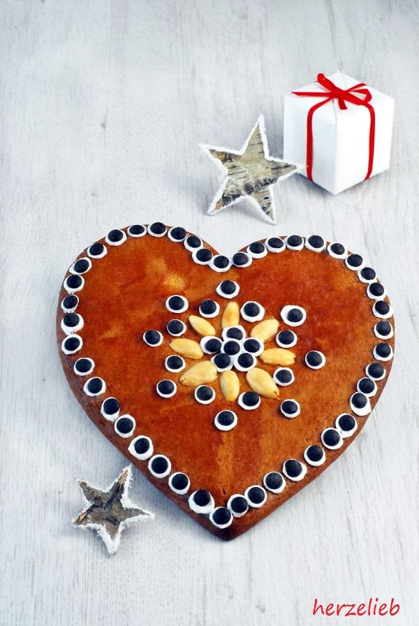 Lebkuchen-Herzen Rezept - gebacken für Post aus meiner Küche