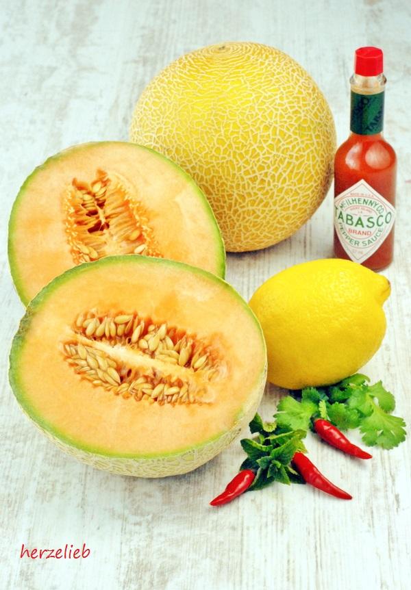 Die Zutaten für die Melonengazpacho - ein Rezept mit Pfiff