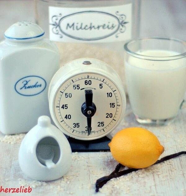Die Zutaten für Milchreis aus Muttis Küche. Kinderleichtes Rezept