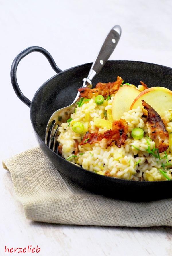 Reispfanne mit Apfel und Speck Rezept - Hausmannkost nach Risotto-Art