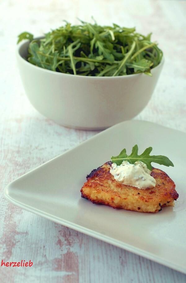 Kartoffelpuffer mit Frischkäse Rucola Pesto
