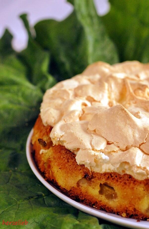 Rhabarberkuchen mit Baiserhaube vom Blech genauso lecker wie aus der Form