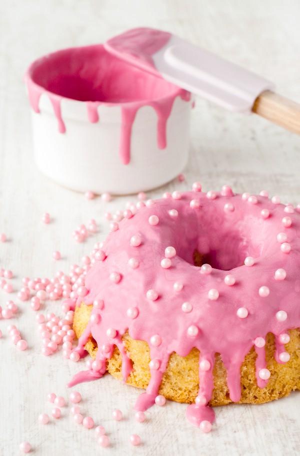 Dies ist eigentlich gar kein Rhabarberkuchen und rosa ist er eigentlich auch nicht