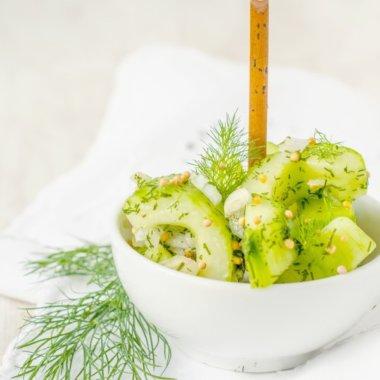 Gurkensalat mit Piff, schnell zubereitet