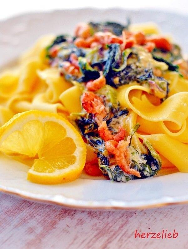 Nordseekrabben und Spinat - für herzelieb eine tolle Kombination!