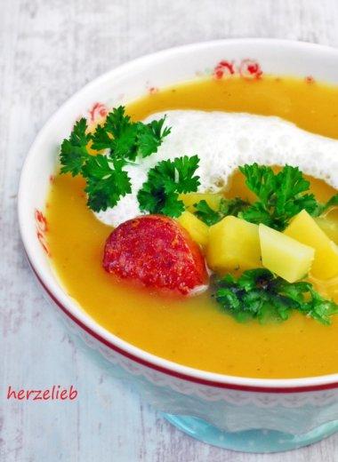 Rezept für Steckrüben-Cremesuppe mit Merrettichschaum. Warmes von der Nordseeküste - herzelieb.de
