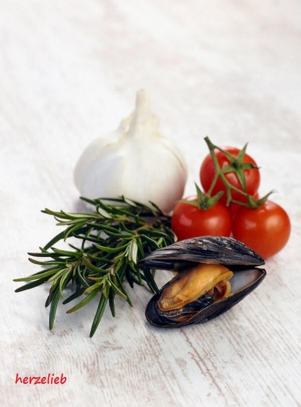 Mieschmuschel, Tomate und Knoblauch mit Rosmarin einfach göttlich!