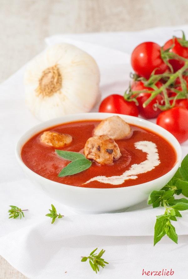 rezept f r tomatensuppe aus ger steten tomaten. Black Bedroom Furniture Sets. Home Design Ideas